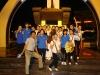 Chụp ảnh lưu niệm tại tượng đài chiến thắng Buôn Ma Thuột
