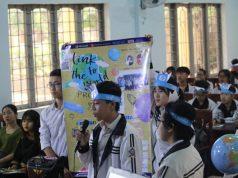 Các em học sinh Trường THPT Ngô Gia Tự tự tin giao lưu tại sân chơi Kết nối học toàn cầu. (Ảnh do Trường THPT Ngô Gia Tự cung cấp).